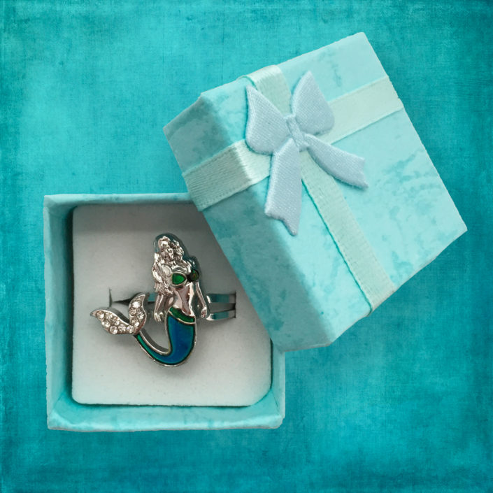Ocea Creations Mermaid Mood Ring - Blue Gift Box